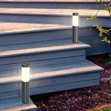 Luz solar ao ar livre do poste de amarração